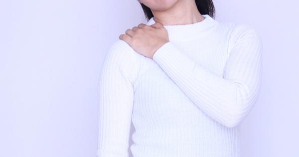 首や肩の痛みやコリの原因が、足の裏の筋膜!?