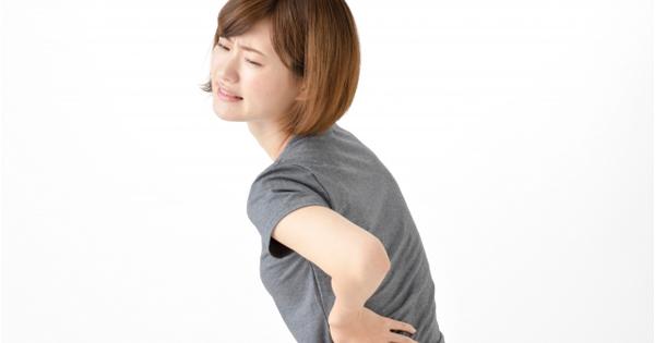 片方だけ腰痛になる方は、立ち上がるときの軸足の癖があるかもしれません!