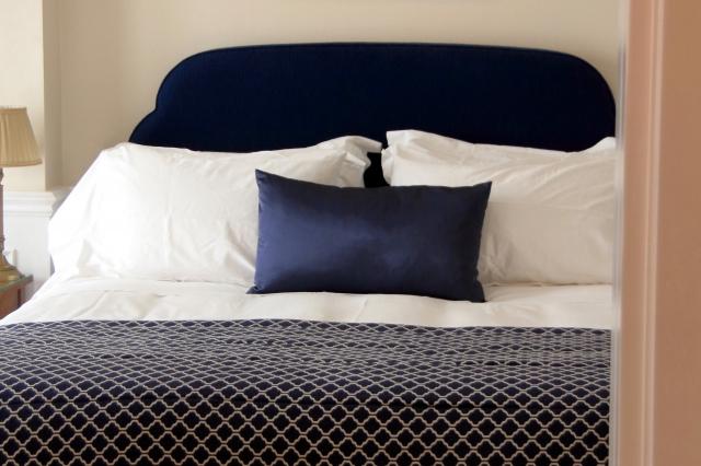 交感神経が優位に働くことにより身体や心が休まらないため寝返りの回数が減る