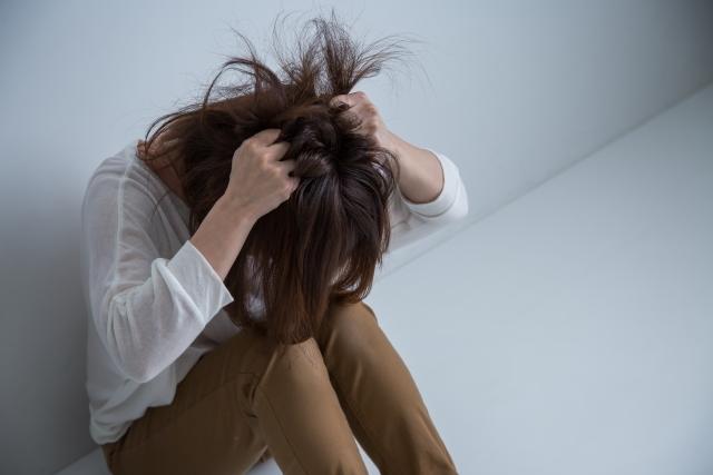 呼吸の浅さに加えて、誰でも抱えている精神的なストレスも腰痛の原因になる